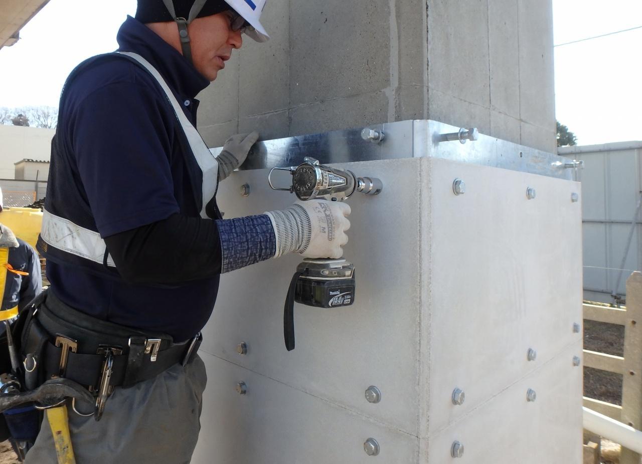 既設高架橋柱の耐震補強工法 CBパネル工法