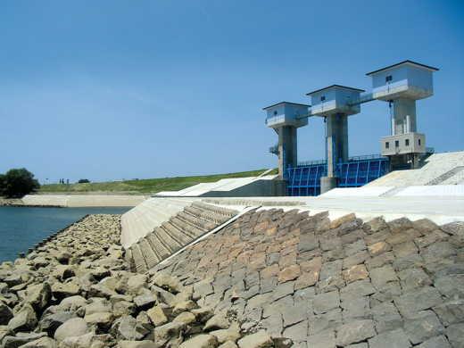 寒水川水門
